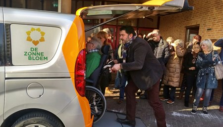 Vervoer Zonnebloemauto Haarlem