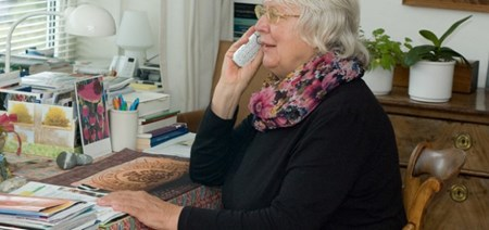 begeleiding & gezelschap Stichting Hulpdienst Capelle: Telefooncirkel
