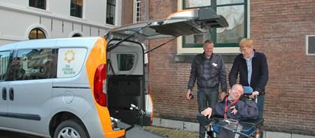 Vervoer Zonnebloemauto Leeuwarden
